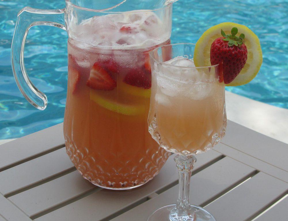 Lemon Strawberry Moscato Punch
